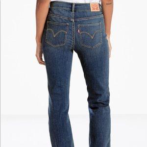 Levi's boot cut 590 jeans